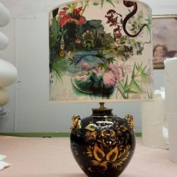 Cilindro con tessuto dipinto su seta