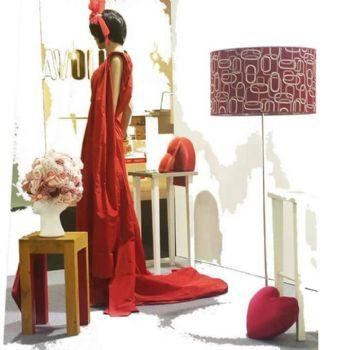 Paralumi a cilindro in atelier di moda
